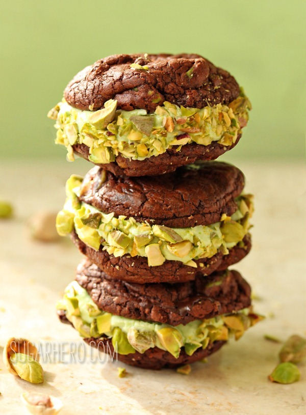 Chocolate-Pistachio Sandwich Cookies - SugarHero