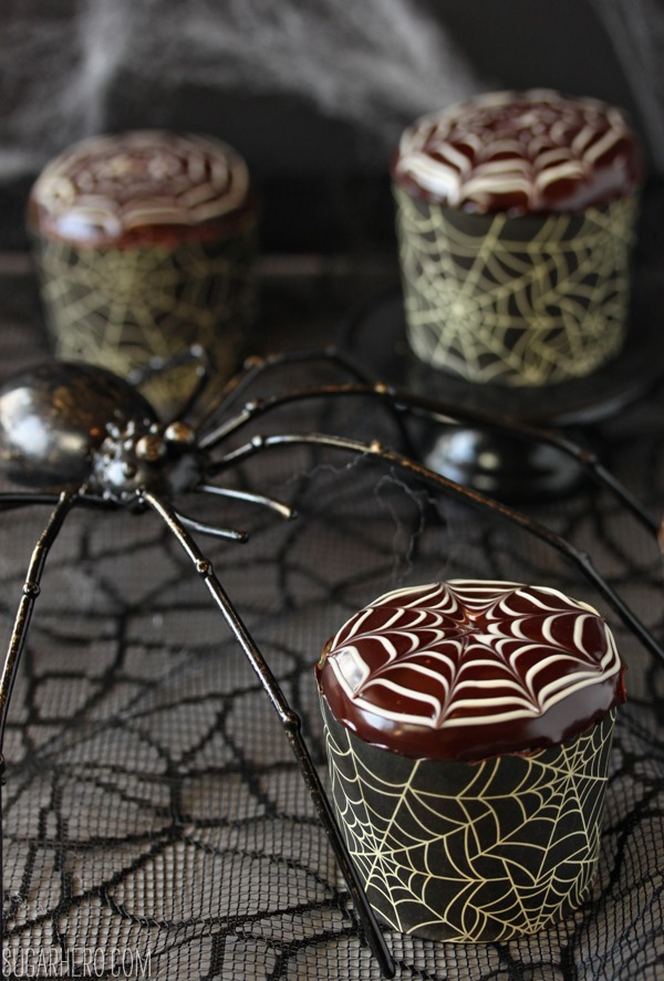 Spiderweb Cupcakes with Chocolate Spiders | SugarHero.com