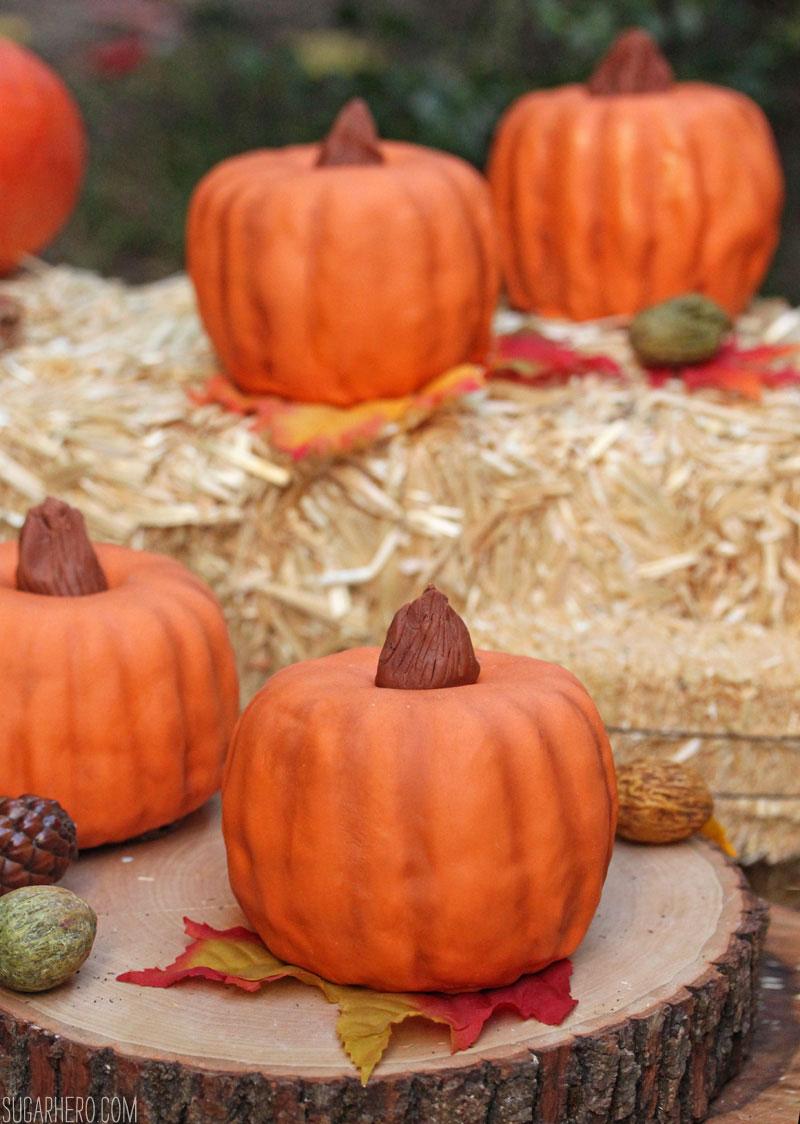 Pumpkin Bundt Cakes Sugarhero
